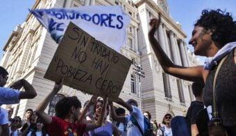 Los despidos sumaron 5370 en octubre y las suspensiones afectaron a 19.766 trabajadores, según un informe privado