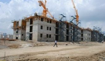 La construcción se frenó 12,8% en lo que va del 2016, según el INDEC