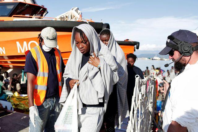 Unas seis mil personas que escapaban de la guerra y la miseria fueron rescatadas en dos días en el Mediterráneo
