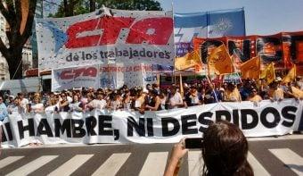 Las CTA, movimientos sociales, gremios marginales de la CGT y PYMES protestaron contra el gobierno de Macri