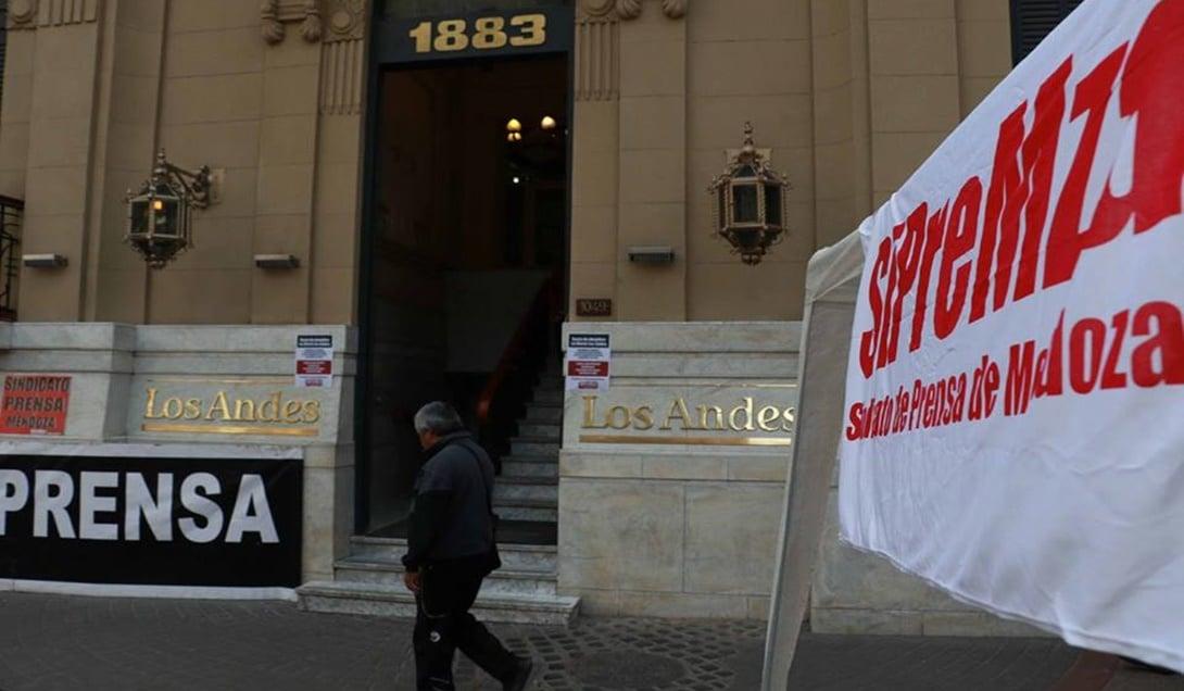 Semana negra para los periodistas en Mendoza: un despido en Sitio Andino y ocho en Los Andes